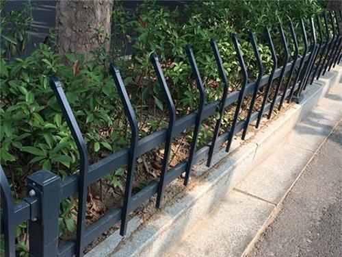 江苏交通护栏-草坪护栏