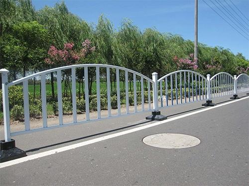 常州城市道路护栏现场安装