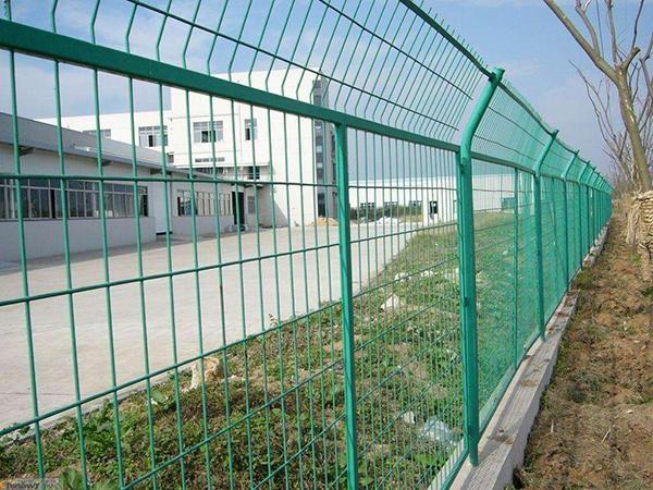 常州交通护栏-护栏现场安装