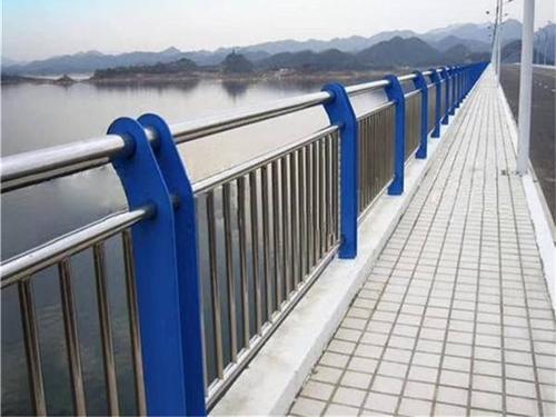 常州城市道路护栏-不锈钢护栏安装